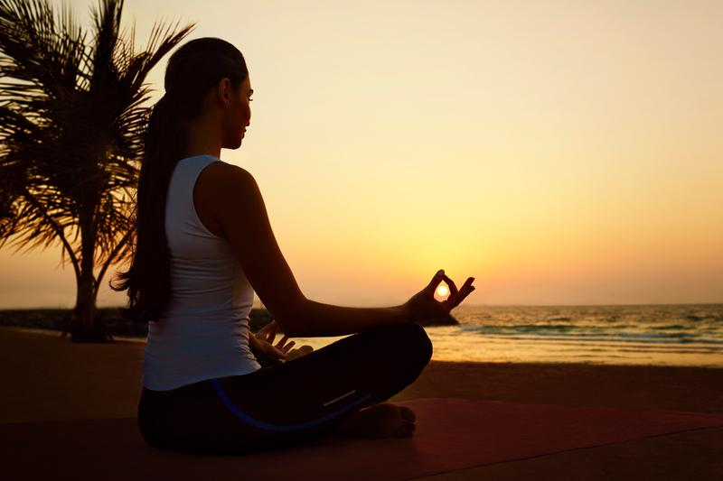 مجموعة جميرا تقدم باقة متميزة من النصائح لمزاولة اليوغا في المنزل  لتعزيز الصحة البدنية والذهنية
