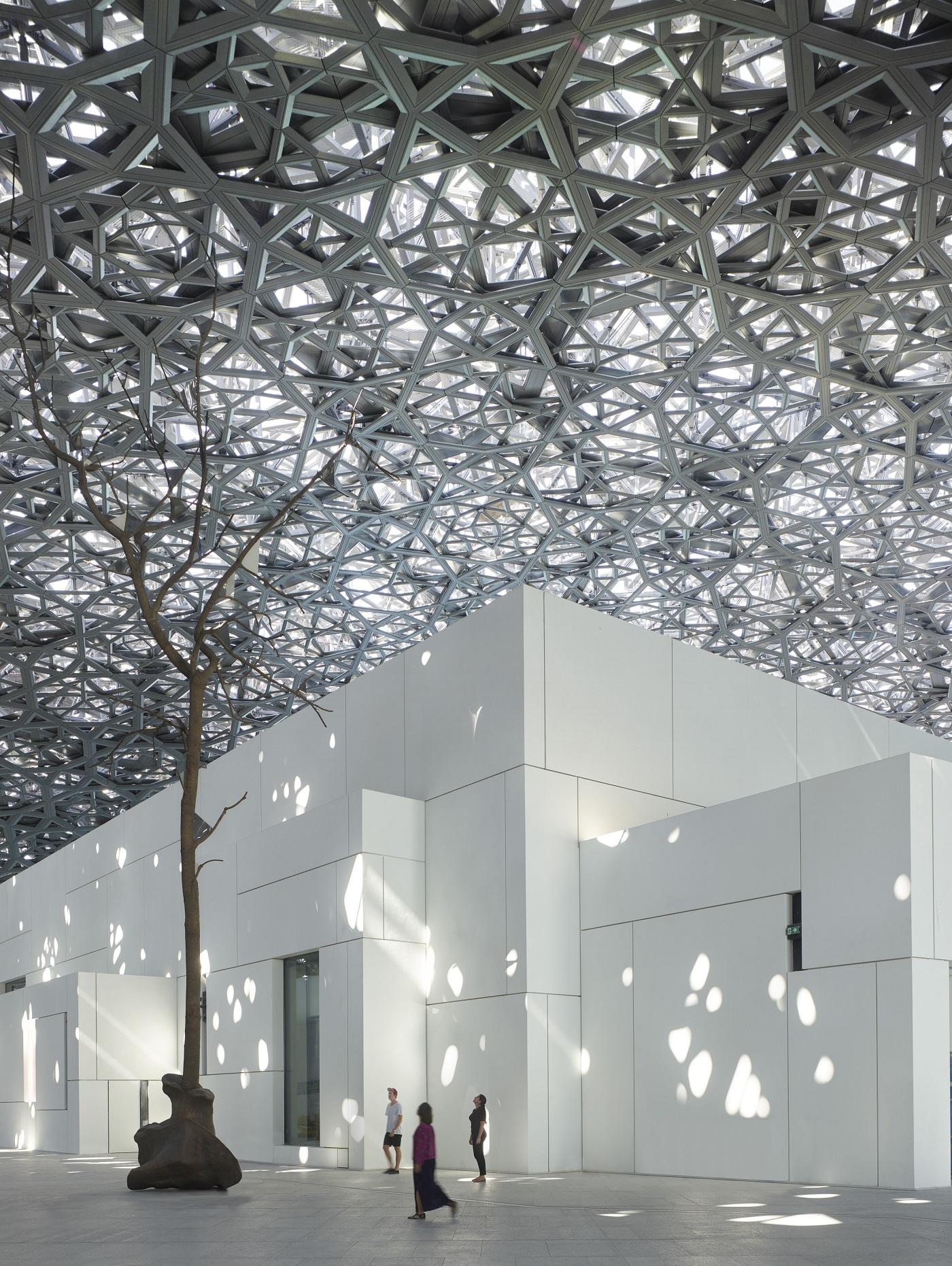 """دائرة الثقافة والسياحة أبوظبي تطلق برنامج """"خبراء أبوظبي"""" في 17 دولة"""