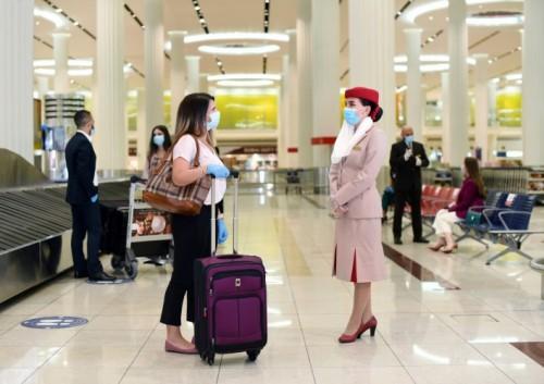 """""""طيران الإمارات"""" تغطي تكاليف """"كوفيد-19"""" الطبية والحجر للمسافرين من وإلى دولة الإمارات وحول العالم"""
