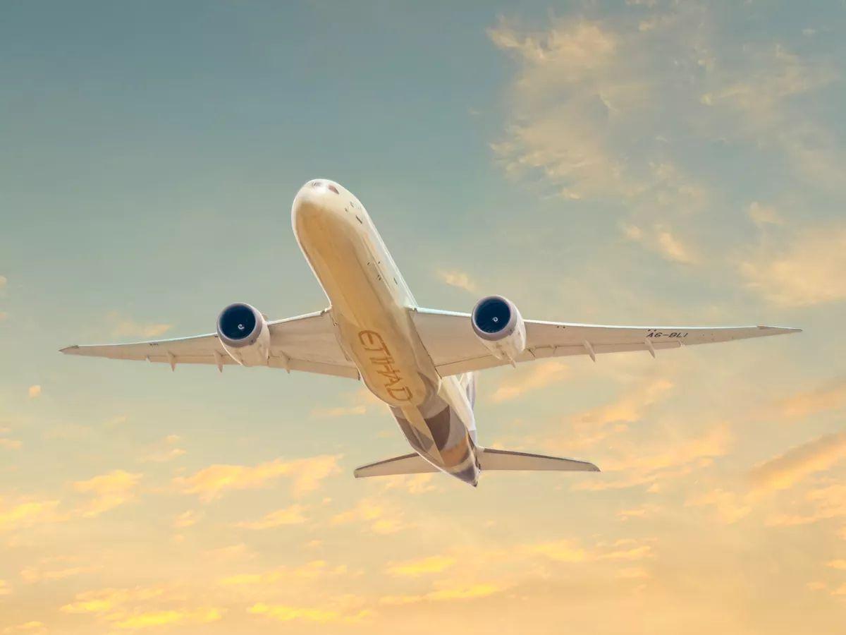 الاتحاد للطيران تدعم جهود الدولة في مكافحة جائحة كورونا عالمياً
