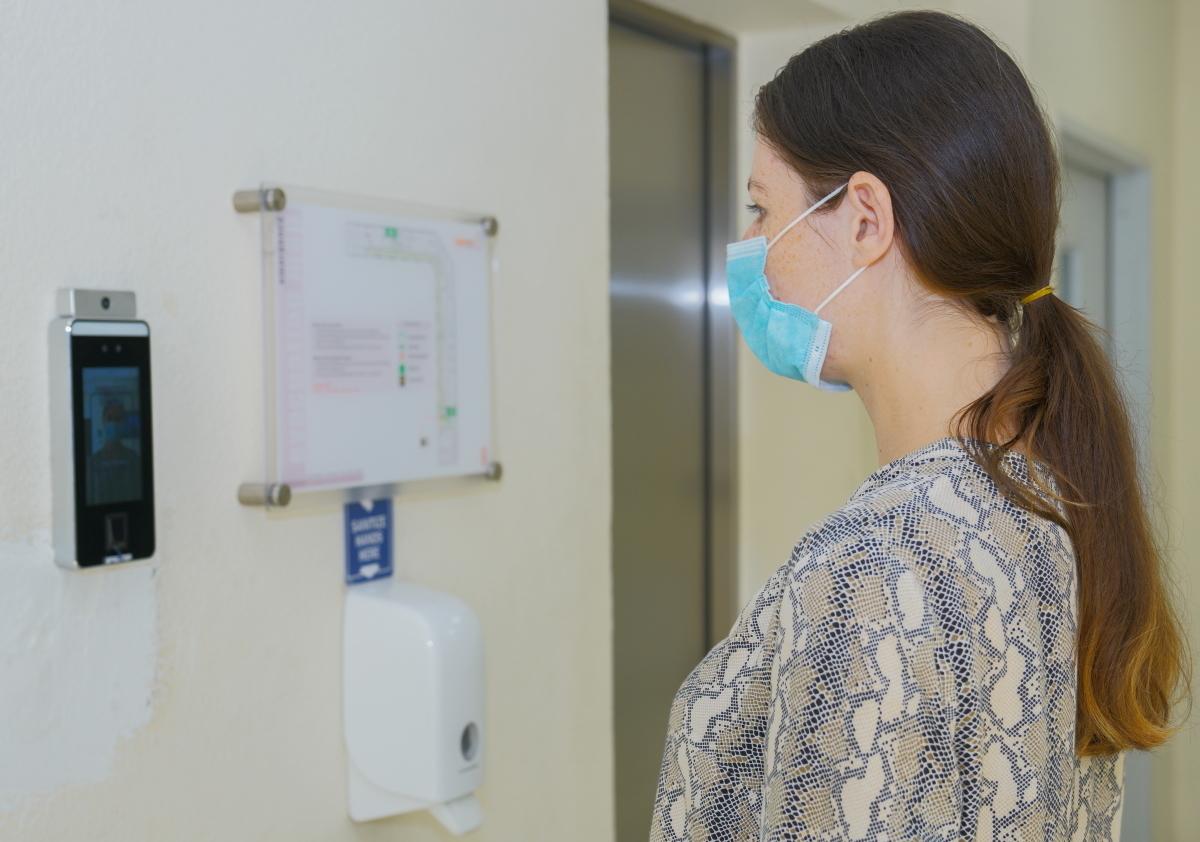 فارنك تطبق نظام التعرف على الوجه بالتعاون مع عملائها الرئيسيين مطار دبي الدولي ودبي مول لمواجهة فيروس كوفيد-19