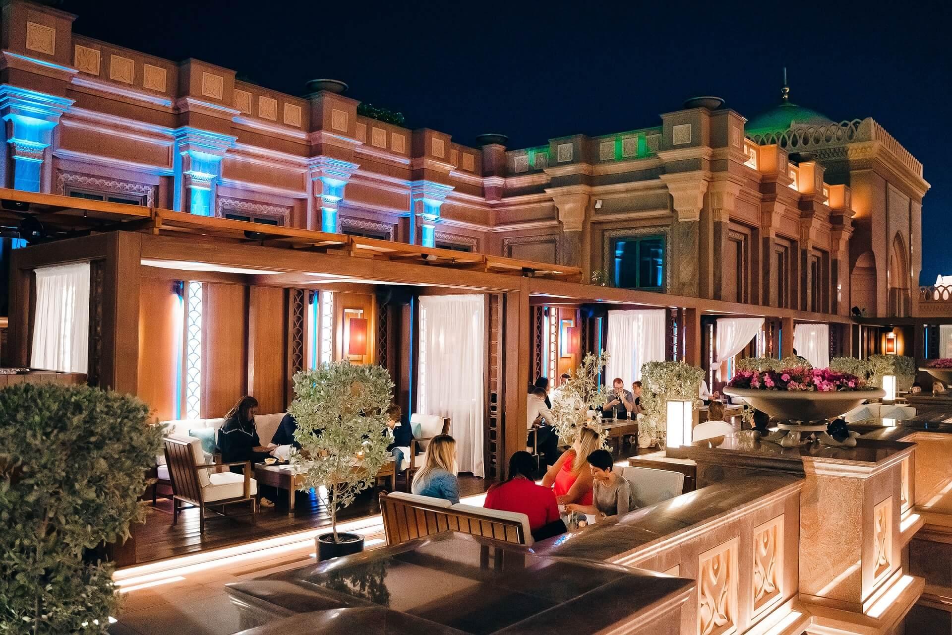 """""""هاكاسان أبوظبي"""" يحتفل بالذكرى السنوية العاشرة لافتتاحه في قصر الإمارات"""