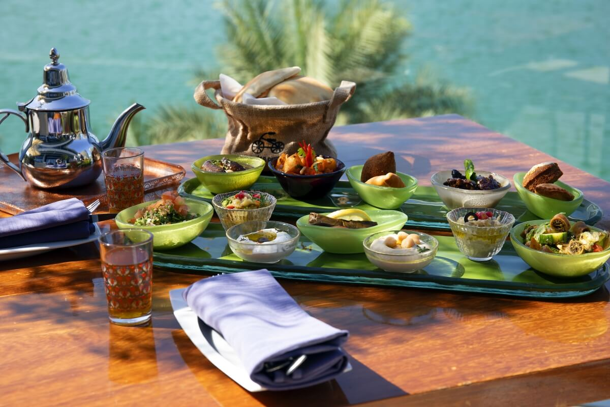 تجارب مميزة في مطعم سمبوسك اللبناني مع إطلاق قائمة طعام وعروض جديدة