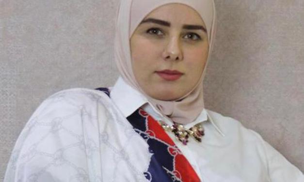 مصممة الأزياء عليا عفيفي تكشف النقاب عن أحدث صيحات الموضة لشهر رمضان والربيع