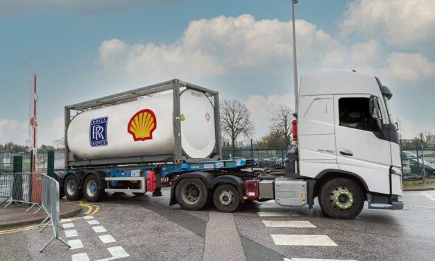 شل ورولز رويس توقعان اتفاقية لتسريع التقدم نحو تصفير الانبعاثات الكربونية