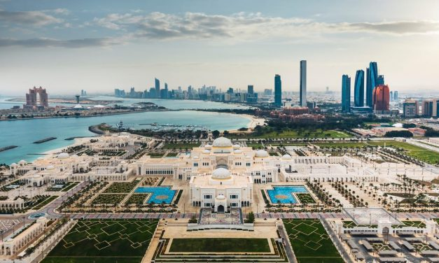 """دائرة الثقافة والسياحة – أبوظبي تطلق خطة شاملة لتوسيع عمل برنامج """"خبراء أبوظبي"""""""