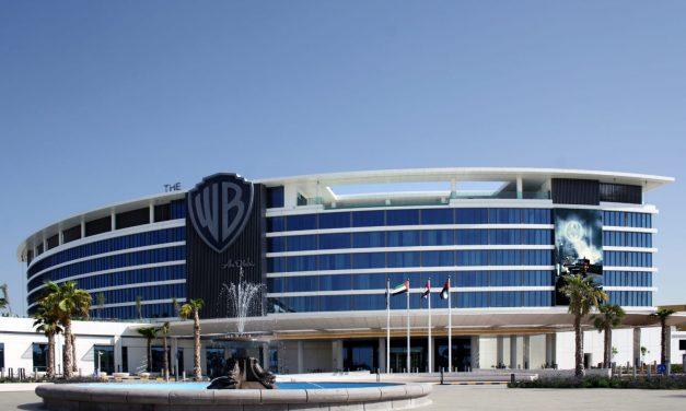 """أول فندق في العالم يحمل اسم """"وارنر براذرز"""" يُفتتح على جزيرة ياس بأبوظبي نوفمبر المقبل"""